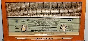 Radios antiguas, gramófonos, grabadoras y otros