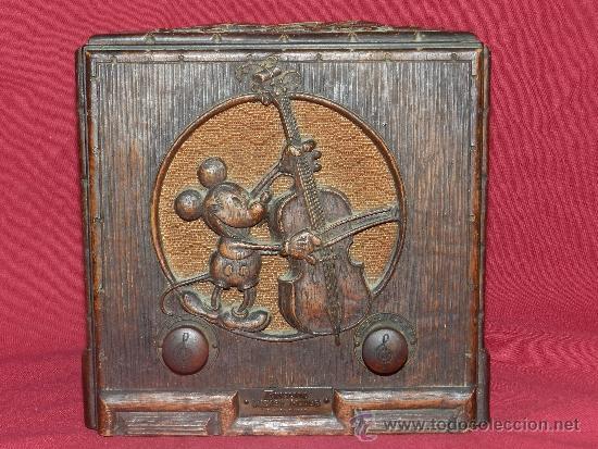 Radio de válvulas Emerson Mickey Mouse.